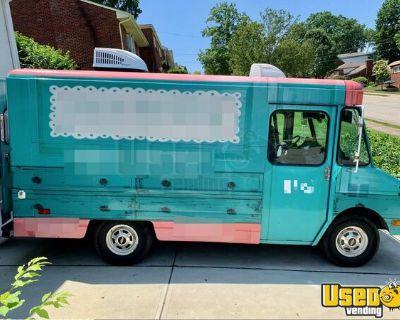 SO CUTE Chevrolet 18' Step Van Mobile Boutique Fashion Truck