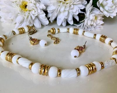 ($15) White & Gold Bead & Barrel  Necklace & Earring Set