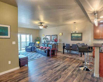 Downtown Golden Condo/Loft! Contemporary, Secure, 2 Bedrooms - Golden
