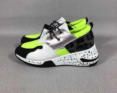 CLOSET SALE - brand new neon runners - box aa21