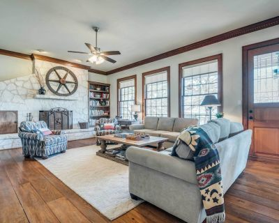 Beautiful Hill Country Ranch Home - 4 Mi to Town! - Boerne
