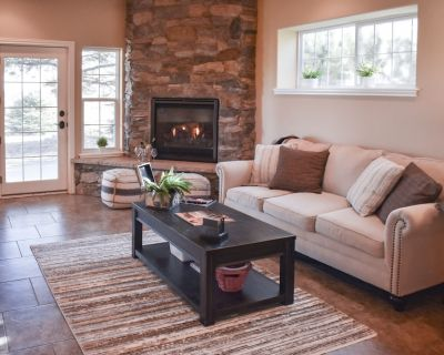 Fun-Filled, Family-Friendly Getaway w/ Fast WiFi, Home Theater, & In-Home Gym - Monument