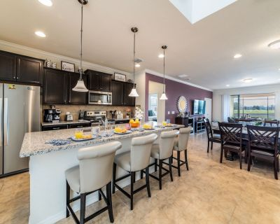 Stunning New Vacation Home W/Private Gym and Peloton Bike - Four Corners