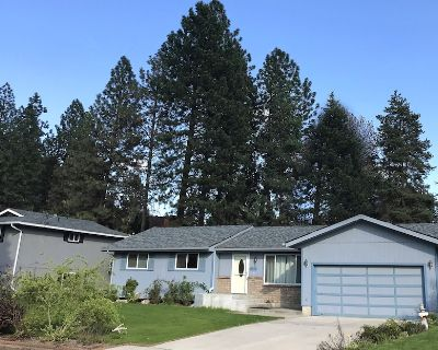 *NEW 5-BEDROOM 3,000 sq.ft. LUXURY HOME, SPA, THEATER, GYM, 3-MIN. to UNIVERSITY - North Spokane