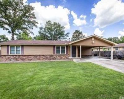 4 Oaken Trl, Jacksonville, AR 72076 3 Bedroom House