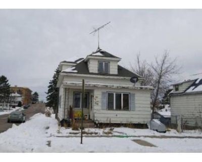 3 Bed 1 Bath Foreclosure Property in Chisholm, MN 55719 - 2nd St SW