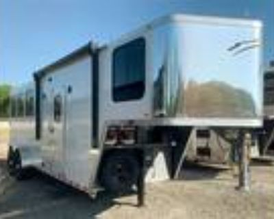 2022 Dixie Star Trailer Rider 3 Horse with Living Quarters 3 horses