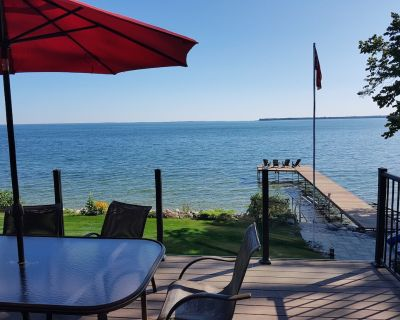 Lake Simcoe Very Rare Southern Exposure Timberframe Waterfront with Hot Tub - Oro Station
