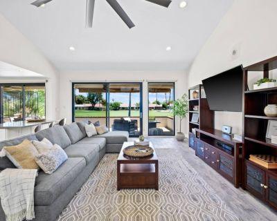 Remodeled Condo at Rancho Las Palmas! Fairway & Mountain Views! - Rancho Mirage