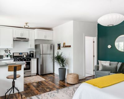Sunny Guest House in Echo Park - Angelino Heights