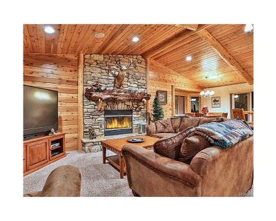 Foxtail Lodge, Luxury MTN Retreat! , Gourmet Kitchen, Game Room, 2 MSTR Suite - Castle Glen Estates