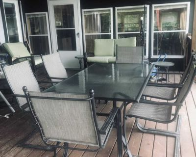 Patio glass table & 6 chairs