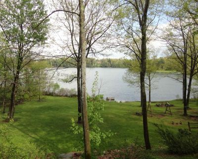 Lago House   Lakefront Home w/ WFH High-Speed WiFi, Hot Tub & Boats - Jefferson