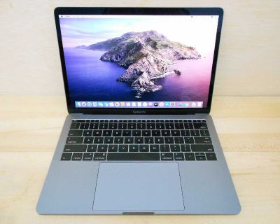 MacBook Pro 2016 mint condition. MSOffice. Delivery. Apple laptop
