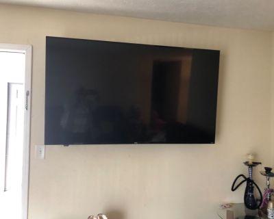 70 inch Onn Rocu Tv