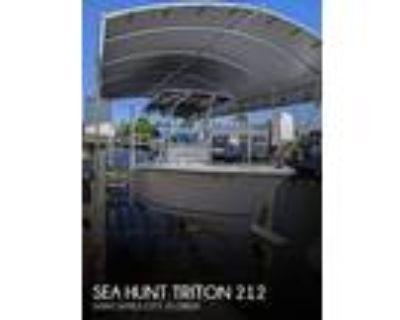 21 foot Sea Hunt Triton 212