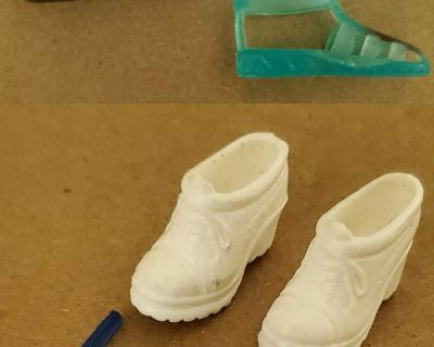 Doll shoes, sandals, and sunglasses (flat foot)