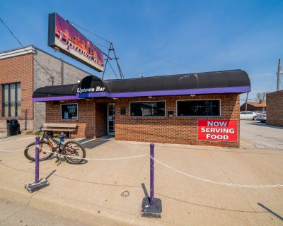 Looking for an Opportunity to Own a Bar/Restaurant?