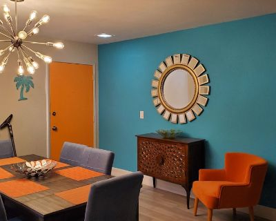 Colorful Resort-feeling Condo 1 Mile Away From Downtown Palm Springs - Baristo