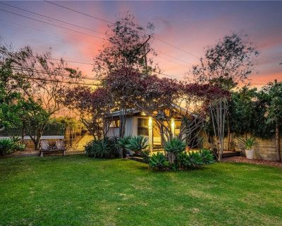 Large park-like garden with beautiful lighting, succulents, trees, treehouse and more!, Long Beach, CA