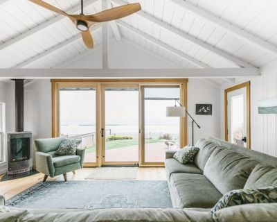 Remodeled Ocean Front Cottage!! Beauty on the outside, Charm on the inside! - Cayucos