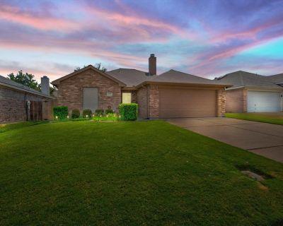 6305 Stockton Dr, Fort Worth, TX 76132