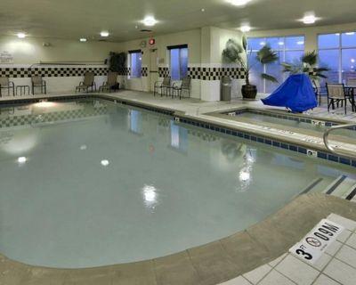 King Room, Albuquerque Adventure! Indoor Pool - Albuquerque