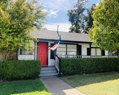 Collinwood Manor + Cottage. Walk to Dickies Arena - Arlington Heights
