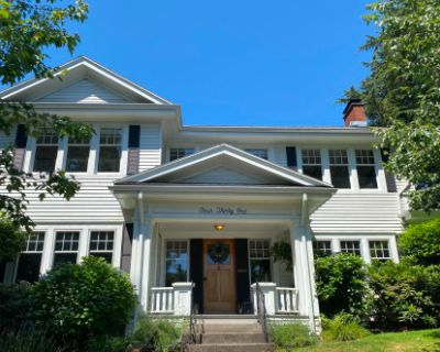 Classic historic colonial traditional family house, Portland, OR