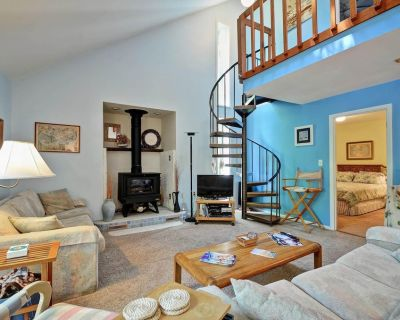 Cozy 3 bedroom 2 bath beach house with private setting - Bethany Beach