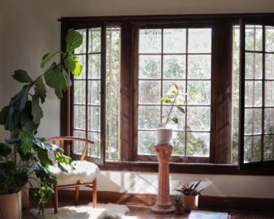 Huge Echo Park Artist Apartment with Great Natural Light, Los Angeles, CA