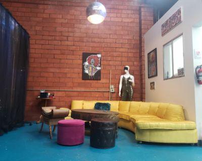 Multi Use Artistic Space: Pole, Aerial, Dance Floor, Paint, Film & More, Alhambra, CA