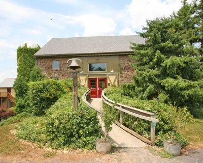 Beautiful Converted Barn on Bucks County Farm Estate - Perkasie