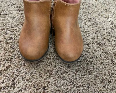 Toddler booties size 5
