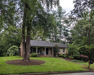 Clean 3 BR Asheville Home - Mountain Bike and Hike with Trail Access! - Bent Creek