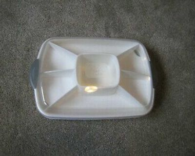 Pampered Chef Chillzanne Divided Server