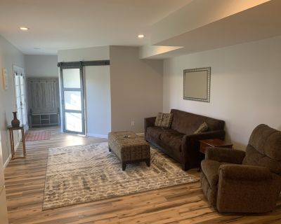 Cozy new apartment located on our 5 acre property - Gainesboro