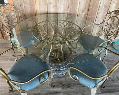Indoor/Outdoor Designer Table & 4 cushioned chairs set