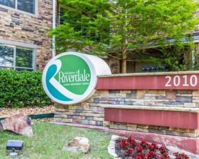 Residences at Riverdale Luxury Apartment Homes