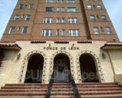 4555 Main St #401, Kansas City, MO 64111 1 Bedroom Condo