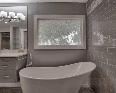 Luxurious Dream Atlanta home 5bedrm/3.5ba for 10 guests! - DeKalb County