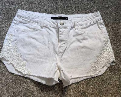 White jean shorts size 30