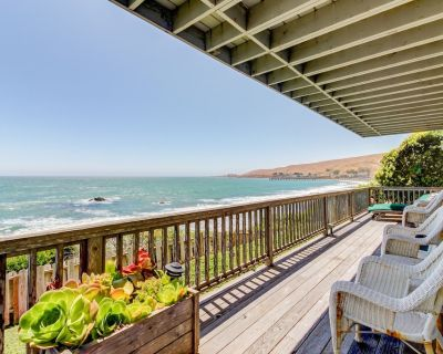 Watch for dolphins and whales from this oceanfront rental w/ fireplace & deck - Cayucos