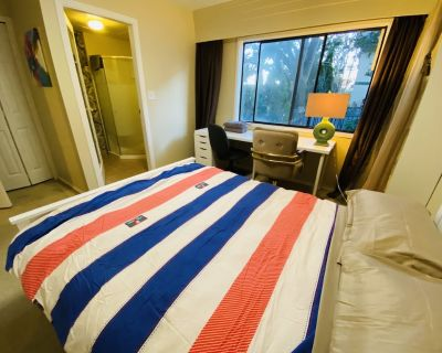 Victoria Cozy Four Bedroom Guest Suite - Saanich East