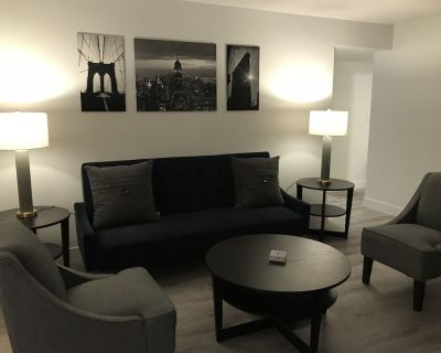 Chic Fully Remodeled Condo Near the DTC - Castlewood