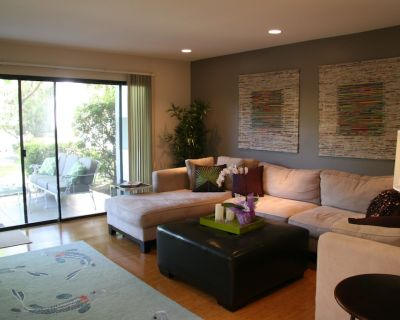 Chic Contemporary Retreat in the heart of South Palm Desert - Palm Desert