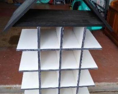 Unique 5 Shelf Compartment Unit!