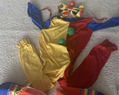 KIDS CLOWN COSTUME, CLOWN SUIT, SHOES, NOSE AND NECK BOW INCLUDED!