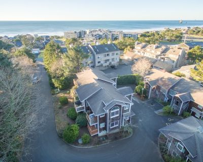 The perfect spot for your getaway located across the street from the beach! - Tolovana Park