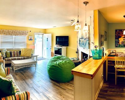 Dog-friendly North End Cottage - Oceanside of Atlantic - Completely Fenced in - Northeast Virginia Beach